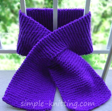 Easy knitting patterns - keyhole scarf