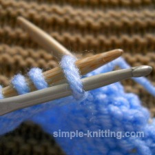 Fixing a dropped purl stitch