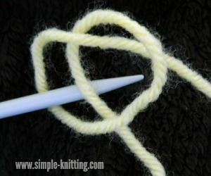 Making a Slip Knot - The First Stitch When you Begin Knitting