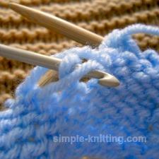 Fixing a dropped purl stitch
